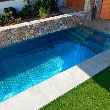 piscina-de-acero-inoxidable-en-jardin-miniatura-5955