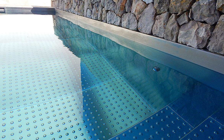 piscina-de-acero-inoxidable-en-jardin-4026