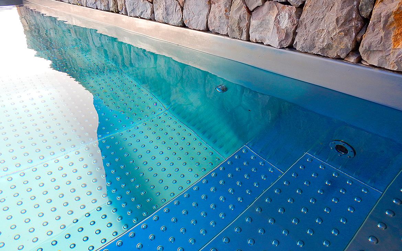 piscina-de-acero-inoxidable-en-jardin-4242